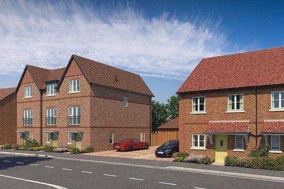 Thumbnail Terraced house for sale in Abbey Barn Lane, High Wycombe, Buckinghamshire