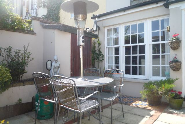 Thumbnail Cottage to rent in New Dorset Street, Brighton