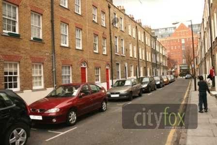 Thumbnail Town house to rent in Parfett Street, Whitechapel