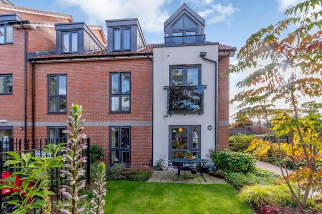 2 bed flat for sale in Devonshire Grange, Devonshire Avenue, Roundhay, Leeds LS8