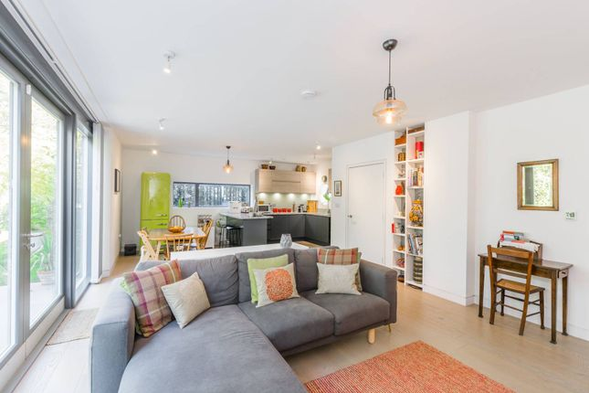 Thumbnail Detached house for sale in Winslow Place, Bounds Green