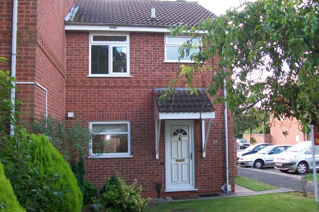 Thumbnail Semi-detached house to rent in Abbotswood Close, Redditch