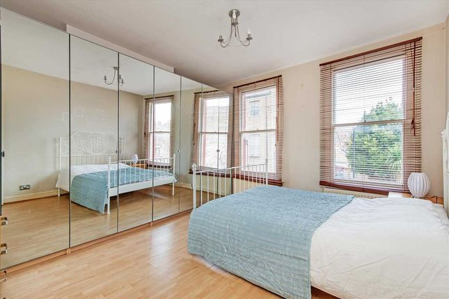 Thumbnail Flat to rent in Courcy Road, London