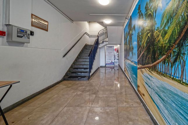 Thumbnail Leisure/hospitality to let in Rushey Green, London