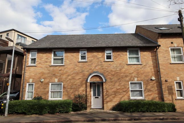 Thumbnail Flat for sale in City Road, Cambridge