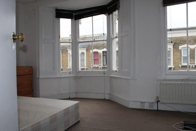 Thumbnail Terraced house to rent in Mossford Street, London/ Mile End