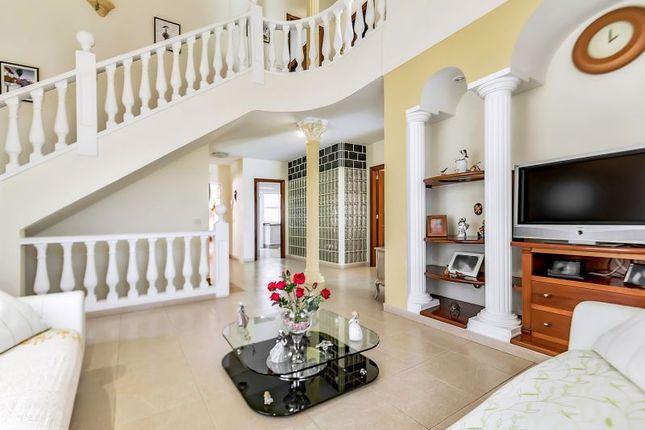 Thumbnail Villa for sale in Bahia Del Duque, Tenerife, Spain