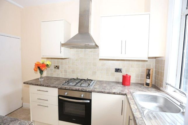Thumbnail Terraced house to rent in Dobson View, Beeston, Leeds, West Yorkshire
