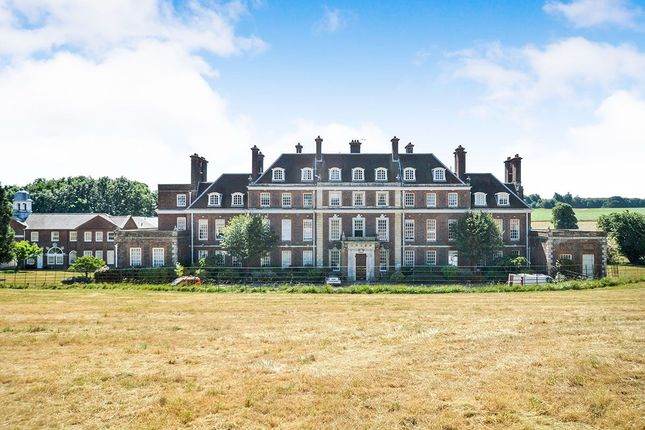 Thumbnail Flat for sale in Waldershare, Dover