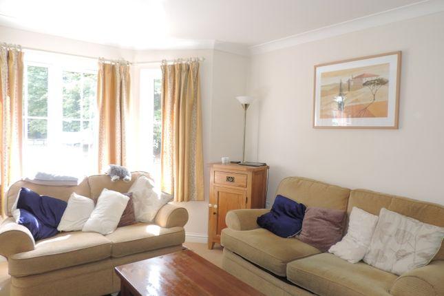 Thumbnail Flat to rent in Broughton Road, Banbury