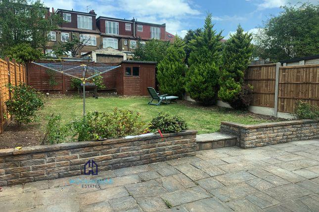 Thumbnail Semi-detached house to rent in Ashridge Gardens, Palmers Green