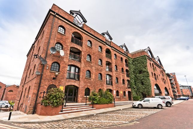 Thumbnail Flat to rent in Castle Quay, Manchester