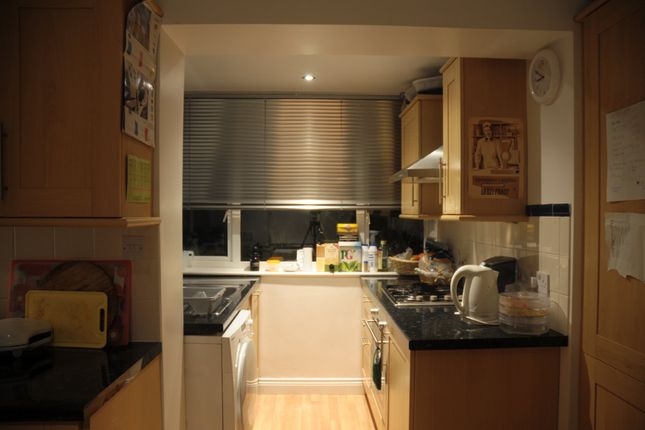 Thumbnail Semi-detached house to rent in Bevendean Crescent, Brighton