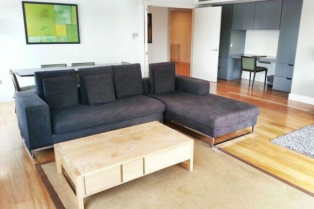 Thumbnail Flat to rent in Overlooking Abingdon Road, Kensington, London