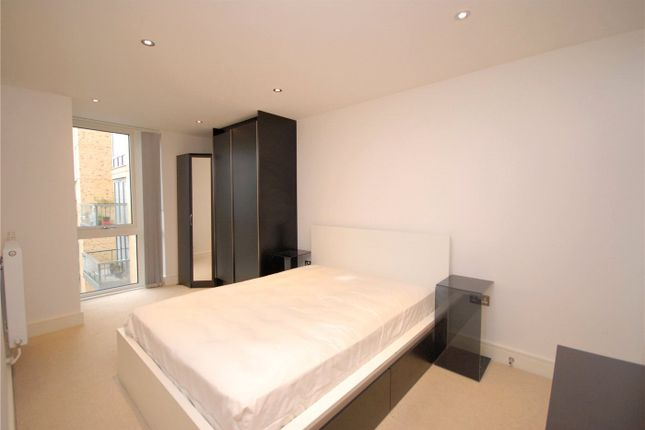 Picture No. 10 of Canary View, 23 Dowells Street, London SE10
