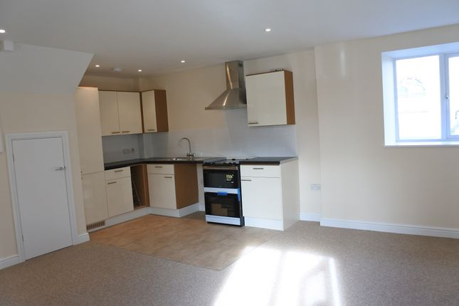 Thumbnail Terraced house to rent in High Street, Malmesbury