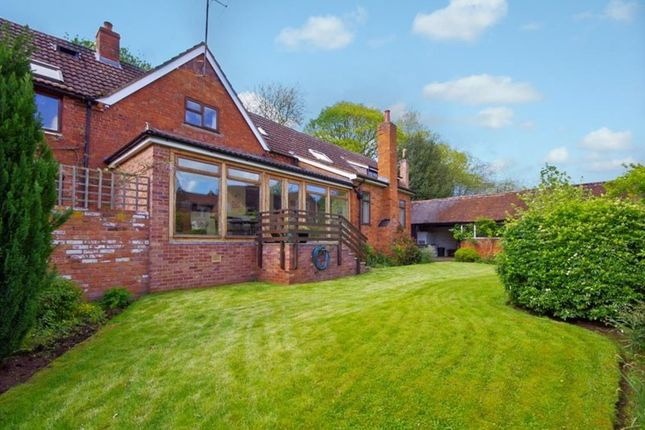 Thumbnail Country house for sale in Tewkesbury Road, Newent