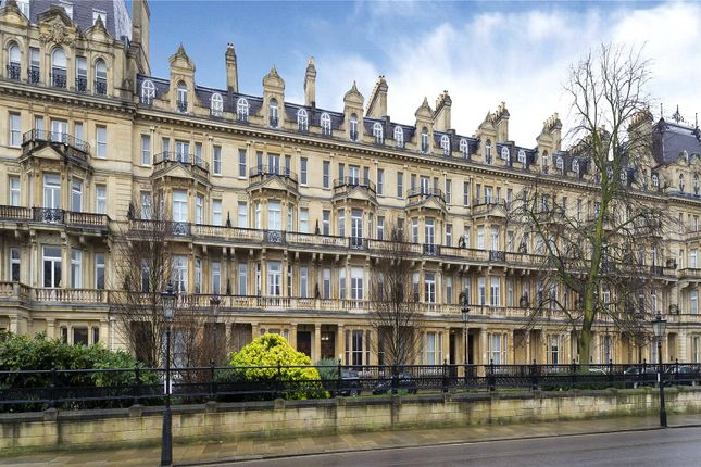 Flat to rent in Cambridge Gate, London