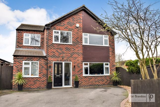 Thumbnail Detached house for sale in Fairway, Newark