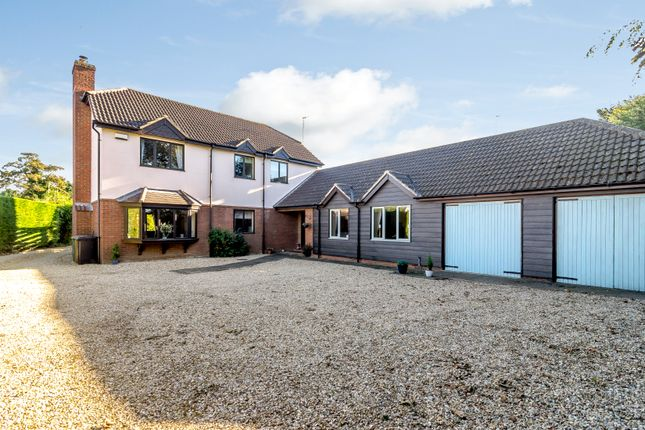 Thumbnail Detached house for sale in Meadowgate Lane, Wisbech