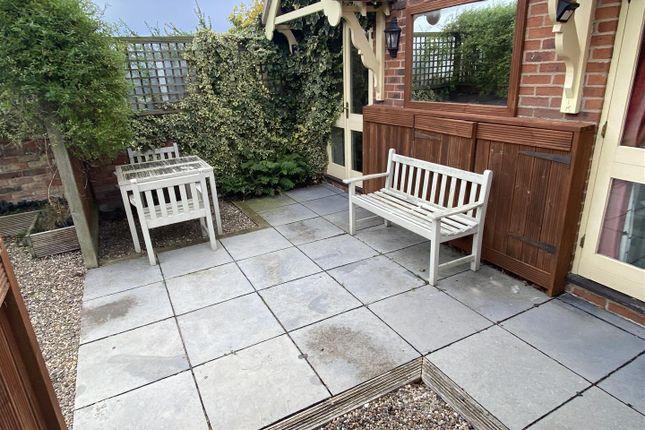 Side Garden Patio
