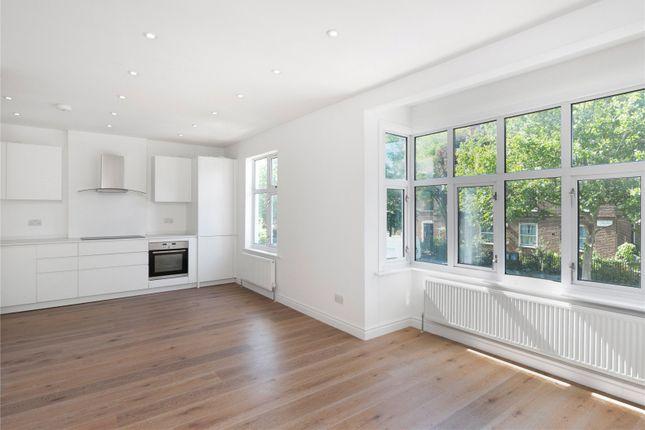 Thumbnail Flat to rent in Dalgarno Gardens, London