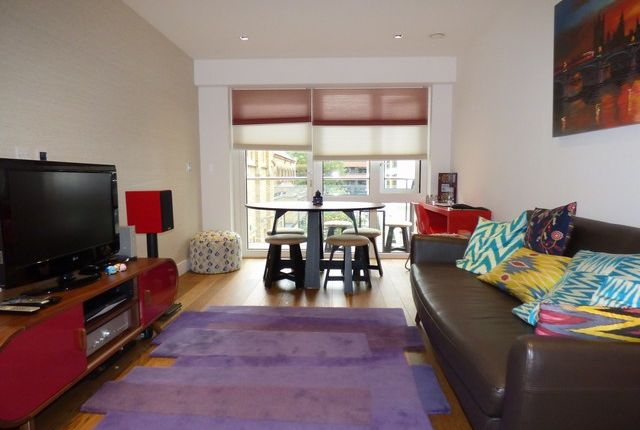 2 bed flat to rent in Fitzroy House, Dickens Yard, Longfield Avenue, London