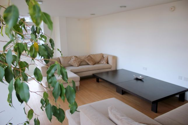 Thumbnail Flat to rent in 119 The Belvedere, Cambridge