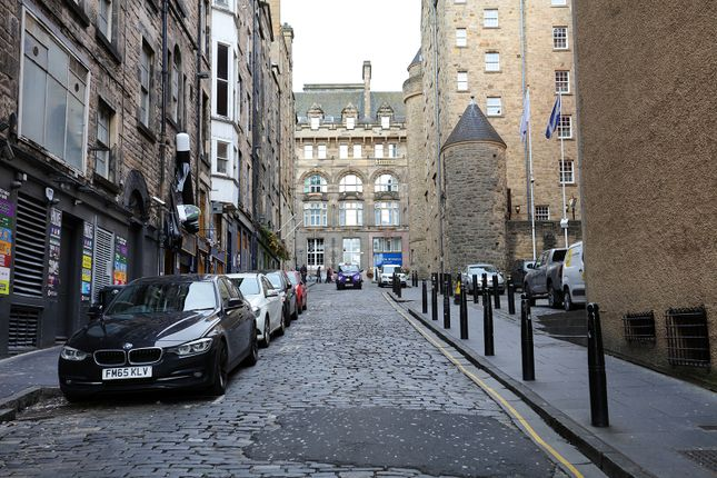 Thumbnail 2 bed flat for sale in Niddry Street, Edinburgh