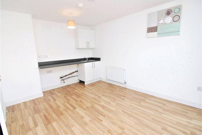 Picture No. 03 of Camborne Terrace, Camborne Avenue, Harold Hill, Romford RM3