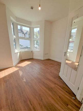 Thumbnail Studio to rent in Shelbourne Road, London