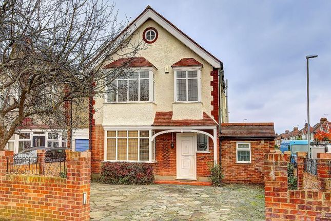 4 bed detached house to rent in Richmond Road, Kingston, Surrey
