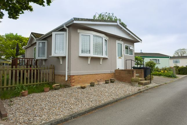 Thumbnail Mobile/park home for sale in Shirkoak Park, Woodchurch, Ashford