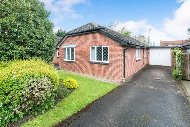 Thumbnail Bungalow for sale in North Warnborough, Hampshire