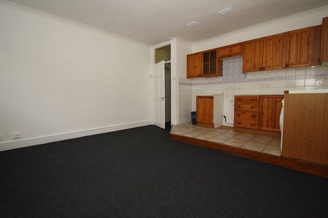 Thumbnail Flat To Rent In The Broadway London Road Southend On Sea