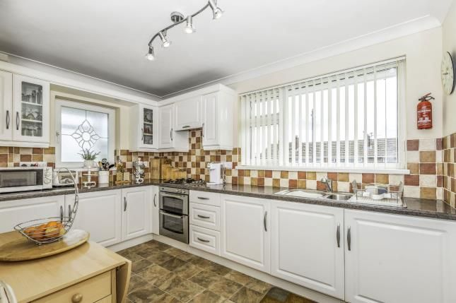 Thumbnail Flat for sale in Heol Hendre, Cardiff