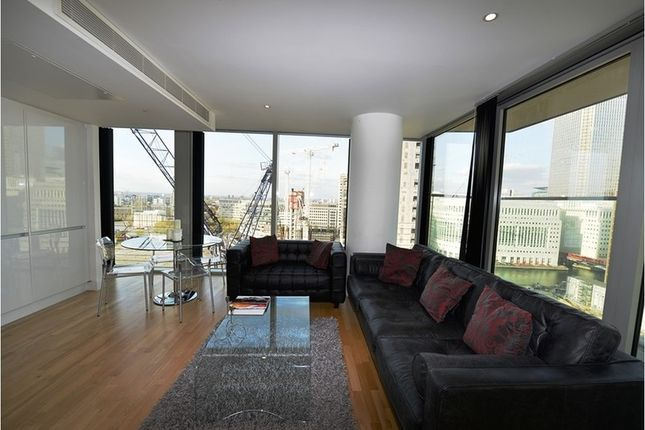 2 bed flat to rent in Landmark West Tower, 22 Marsh Wall, London