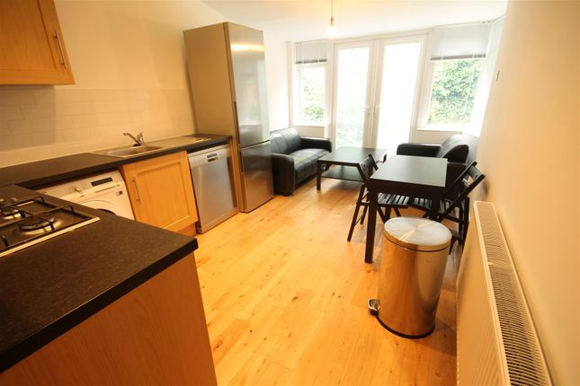 4 bed property to rent in Copland Terrace, Sandyford, Newcastle Upon Tyne NE2
