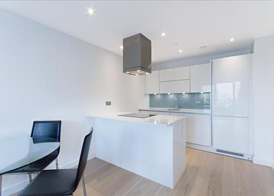 Kitchen of Horizons Tower, Nr Canary Wharf, London E14
