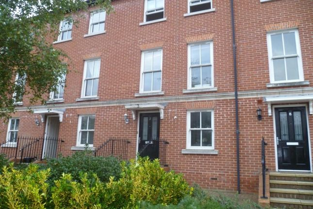 Thumbnail Terraced house to rent in Surrey Street, Littlehampton
