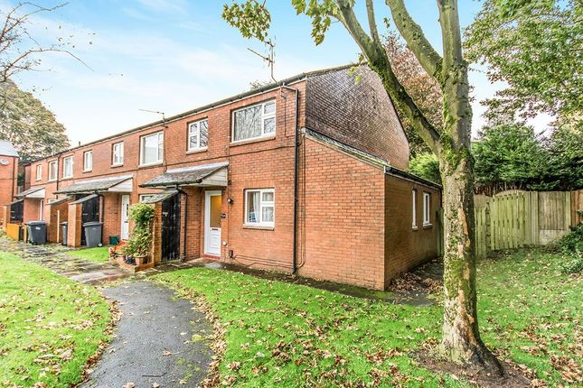 Thumbnail Flat for sale in Astley Close, Shaw, Oldham