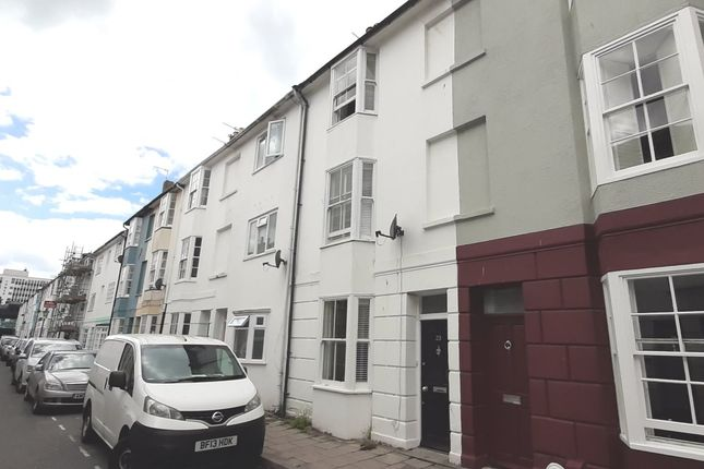 4 bed flat to rent in Over Street, Brighton BN1