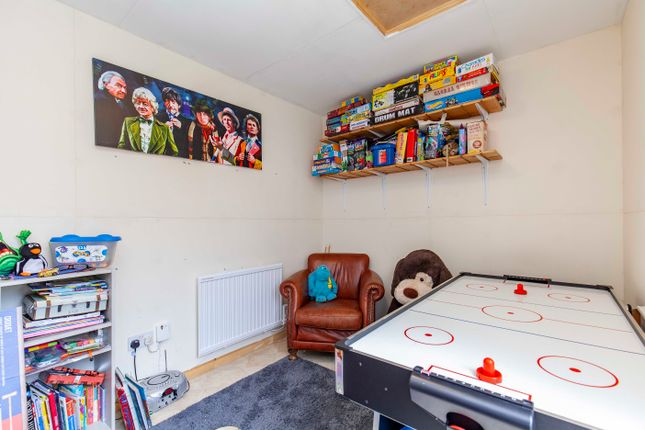 Play Room of Spire Heights, Chesterfield S40
