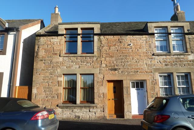 Thumbnail Flat to rent in Baberton Avenue, Juniper Green, Edinburgh