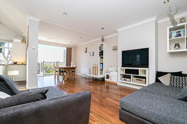 4 bed property for sale in Sunset Avenue, London E4