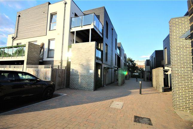 Thumbnail Flat to rent in Bennington Close, Thornton Heath