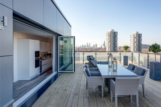 Thumbnail Flat for sale in Wing, Camberwell, London