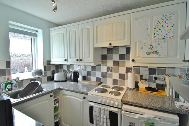 Picture No. 11 of The Orchard, Burdett Close, Stonehouse, Gloucestershire GL10