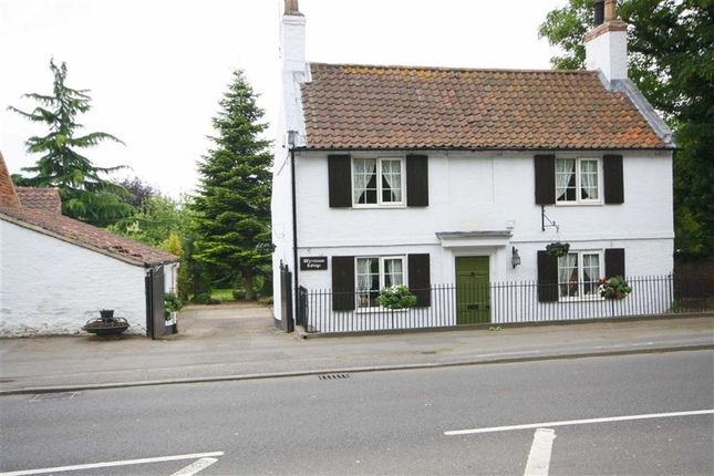 Thumbnail Cottage for sale in London Road, Retford, Nottinghamshire