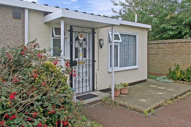 Thumbnail Bungalow for sale in Boyce Way, London